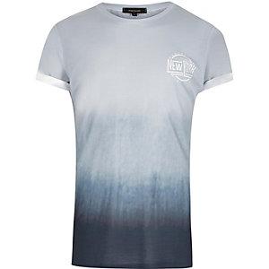 T-shirt bleu délavé à imprimé NYC