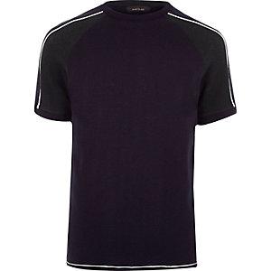 Marineblaues T-Shirt mit Streifen