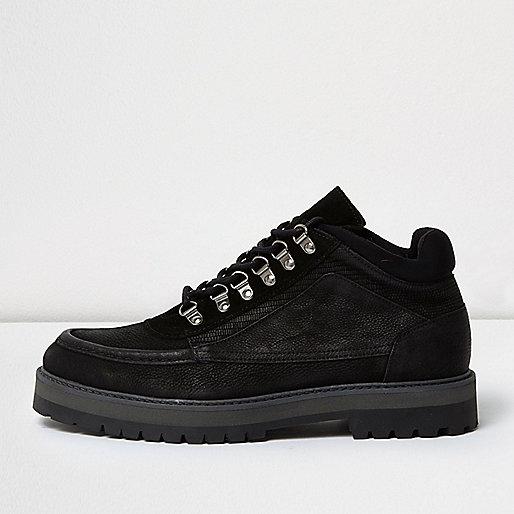 Black Design Forum suede boots