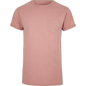 T-Shirt in Hellrosa mit Rollärmeln