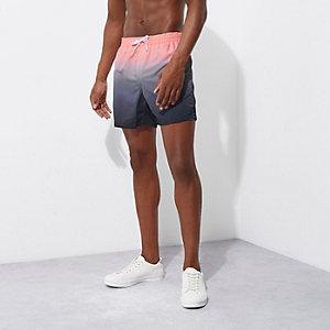 Short de bain rose effet tie-dye