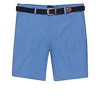 Short slim bleu avec ceinture