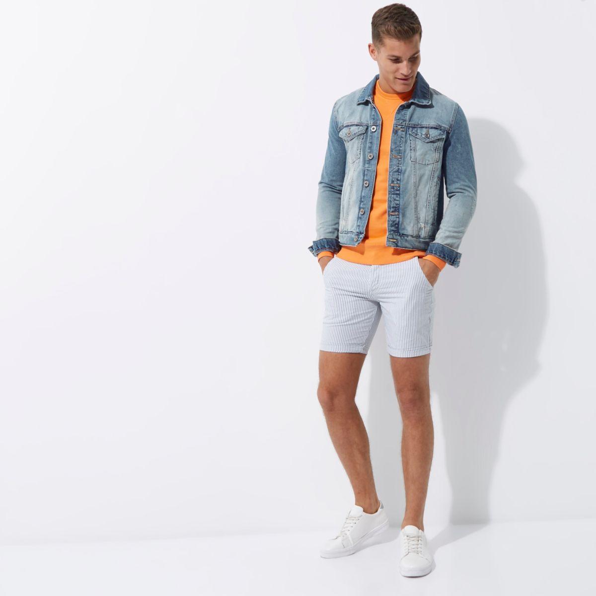 Blaue Slim Fit Shorts mit Streifen