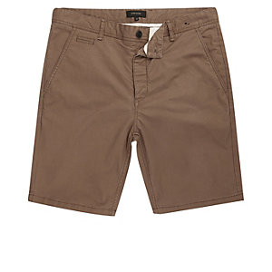 Braune Slim Fit Shorts