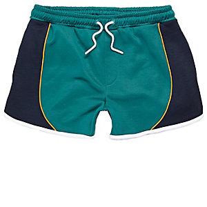Grüne, sportliche Lauf-Shorts