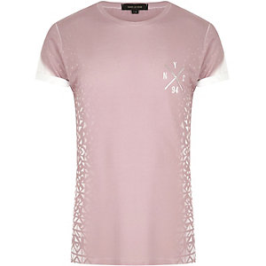 Pink fragmented geo print T-shirt