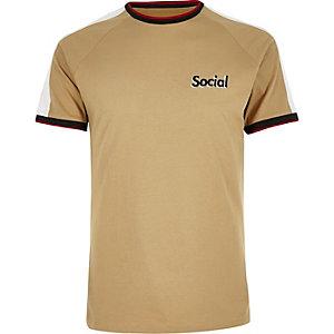 T-shirt marron camel à manches raglan avec logo
