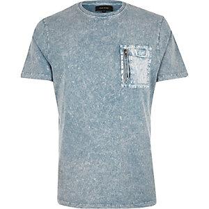 T-shirt bleu délavé cintré à poche