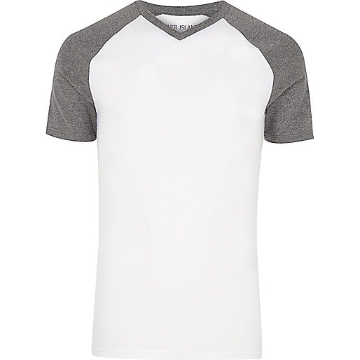 White muscle fit V-neck T-shirt