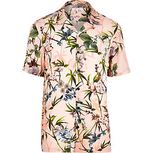 Pink hawaiian print short sleeve shirt