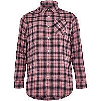 Chemise à carreaux rose avec manches longues