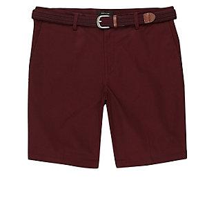 Braune Chino-Shorts mit Gürtel