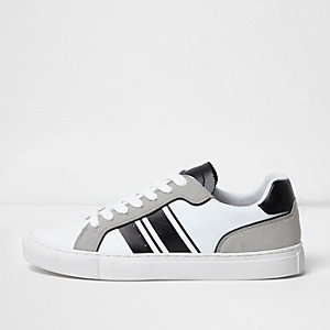Sneaker in Weiß und Grau zum Schnüren