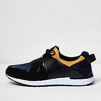 Black camo elastic runner trainers