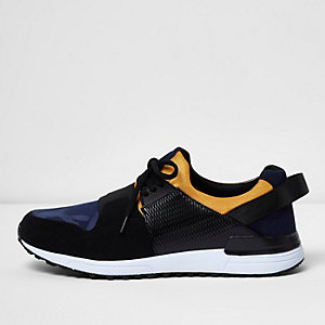 Black camo elastic runner trainers