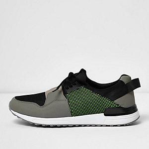 Stone mesh elastic runner sneakers