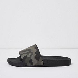Claquettes à imprimé camouflage noires