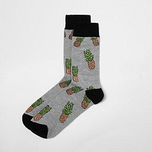 Grey pineapple print socks
