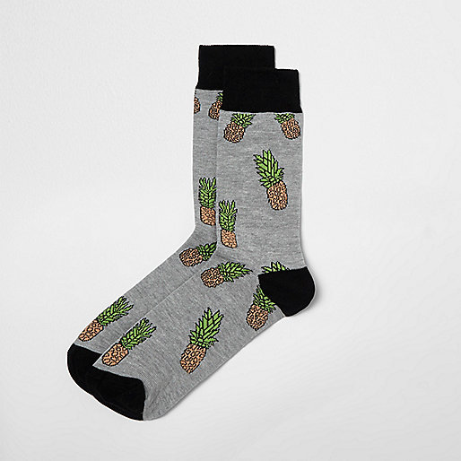 Grey pineapple print socks