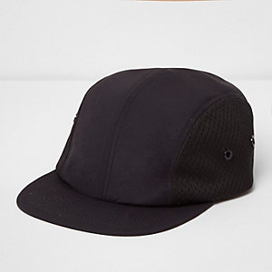 Schwarze, perforierte Mesh-Kappe