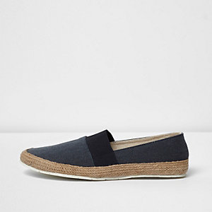 Marineblaue Espadrille-Plimsolls im Slipperdesign