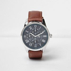 Bruin horloge met bandje in leerlook