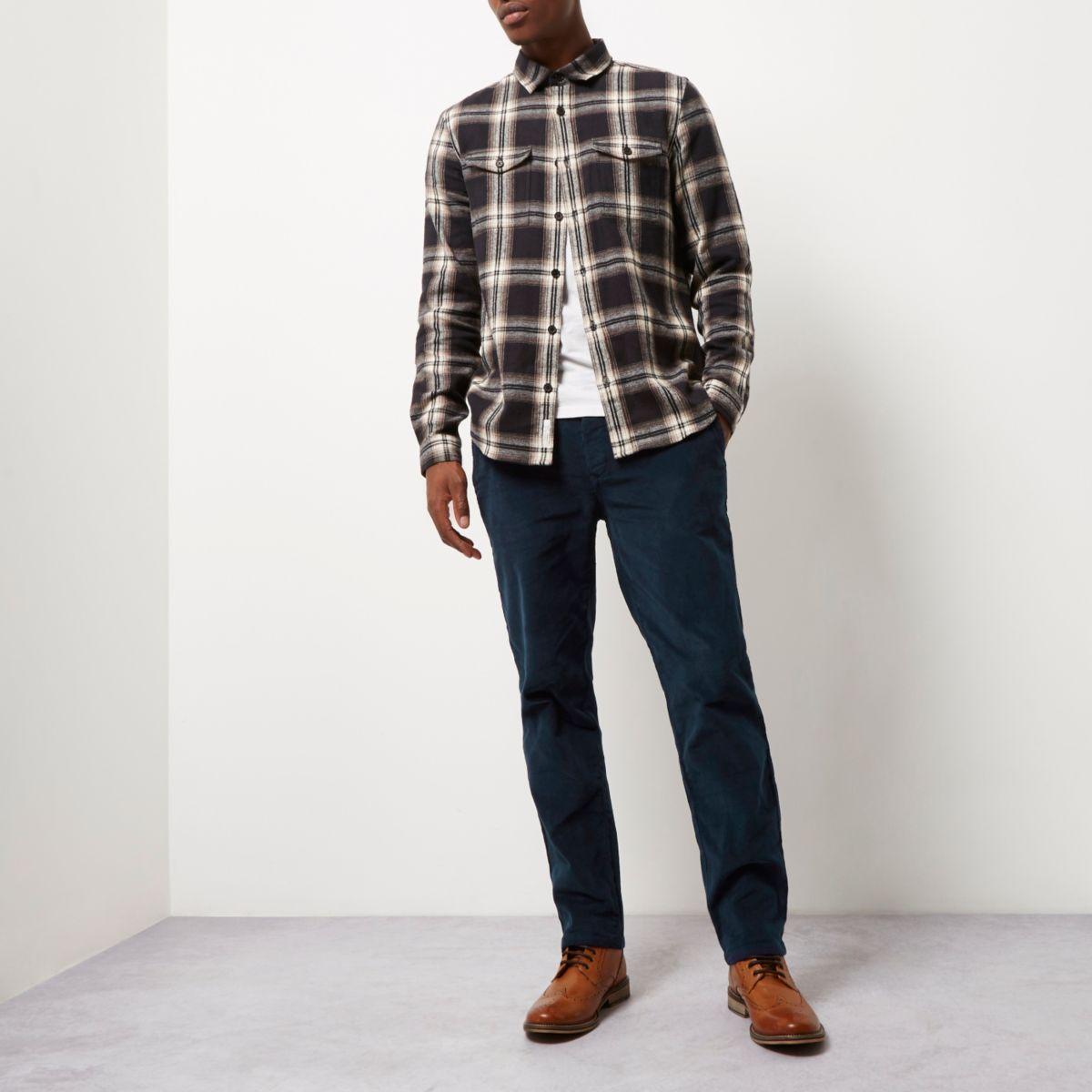 Pantalon chino coupe slim en velours côtelé bleu