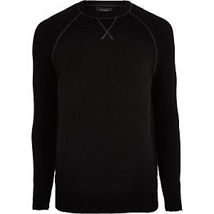 Zwarte gebreide pullover met raglanmouwen