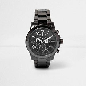Uhr mit stahlgrauem Armband
