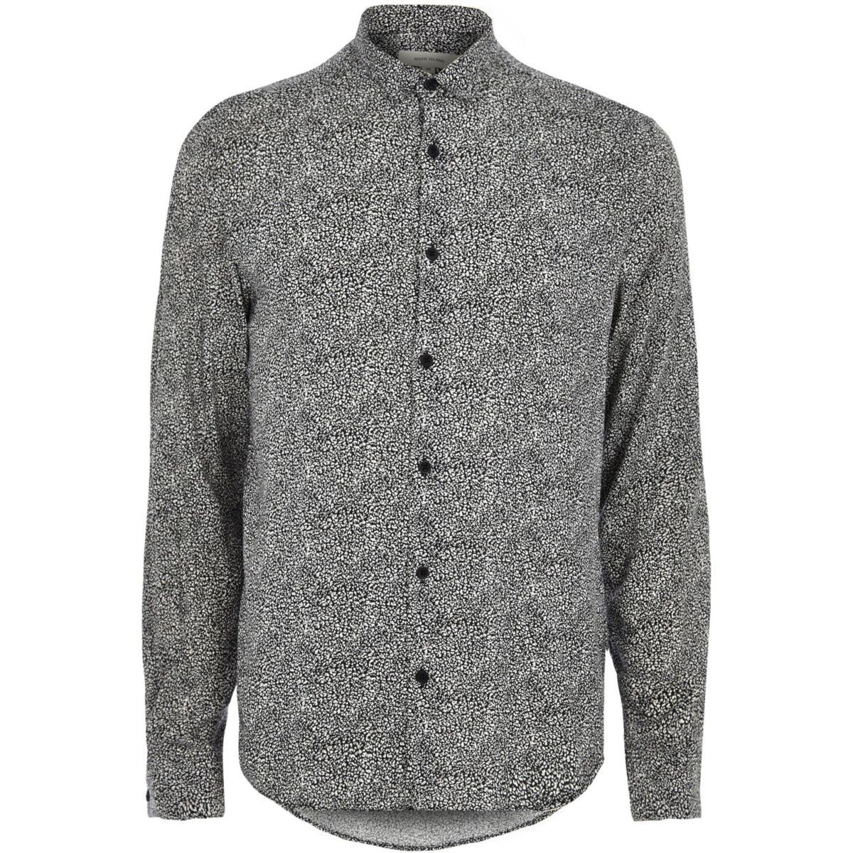 Chemise habillée à imprimé animal noire et blanche