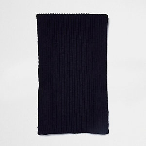 Navy ribbed knit scarf