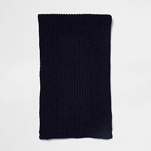 Marineblauwe gebreide sjaal met ribbels