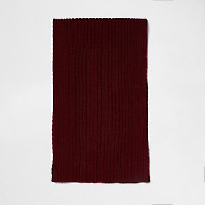 Red ribbed knit scarf