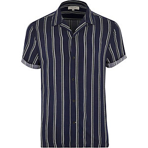 Blue stripe revere collar shirt