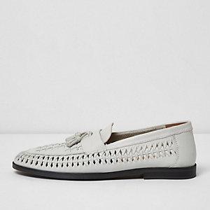 Weiße Loafer aus Leder mit Quaste