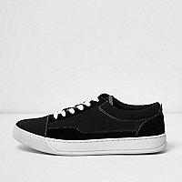 Schwarze Leinen-Sneaker