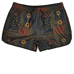 Red tile print short swim trunks