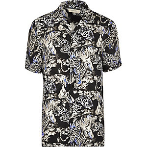 Blue jungle print short sleeve shirt
