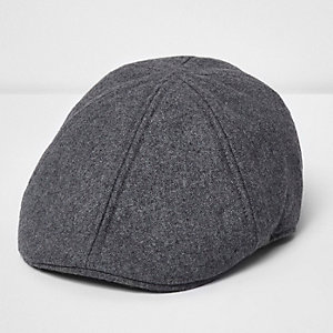 Light grey flat cap