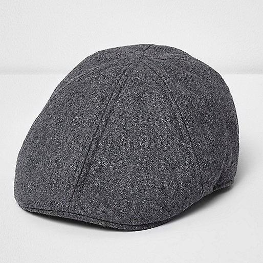Light grey flat cap