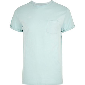 Mintgrünes T-Shirt mit Rollärmeln