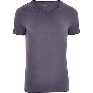 Donkergrijs aansluitend T-shirt met lage V-hals