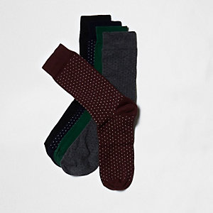Lot de chaussettes dont une paire rouge à pois