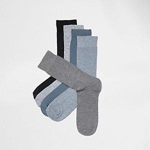 Graue Socken im Multipack