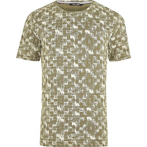 Green and white print T-shirt