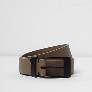 Grey contrast buckle belt