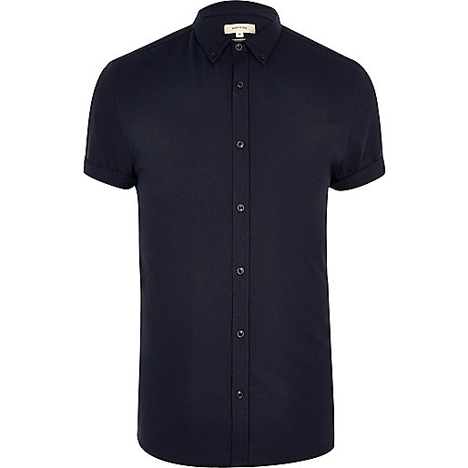 Navy short sleeved casual muscle fit shirt