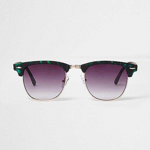 Green tortoiseshell retro sunglasses