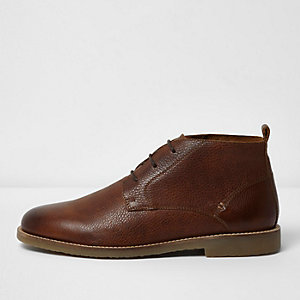 Brown textured leather chukka boots