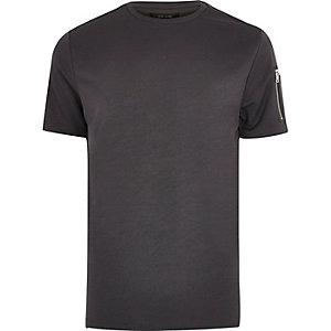 Dunkelgraues T-Shirt